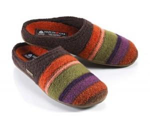 Pantoffels. Tot 8-8-2012 per paar &128; 29.90 V.a. 9-8-2012 per paar &128; 44.90